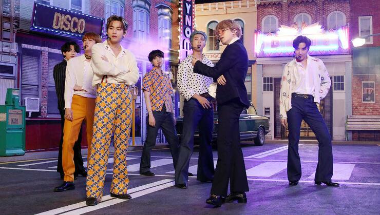BTS, Album mới của BTS, BTS tiết lộ về album mới, BTS thu âm album mới, phỏng vấn BTS, Jungkook tiết lộ về album mới, sản phẩm phòng thu của BTS, BTS trên iHeartRadio