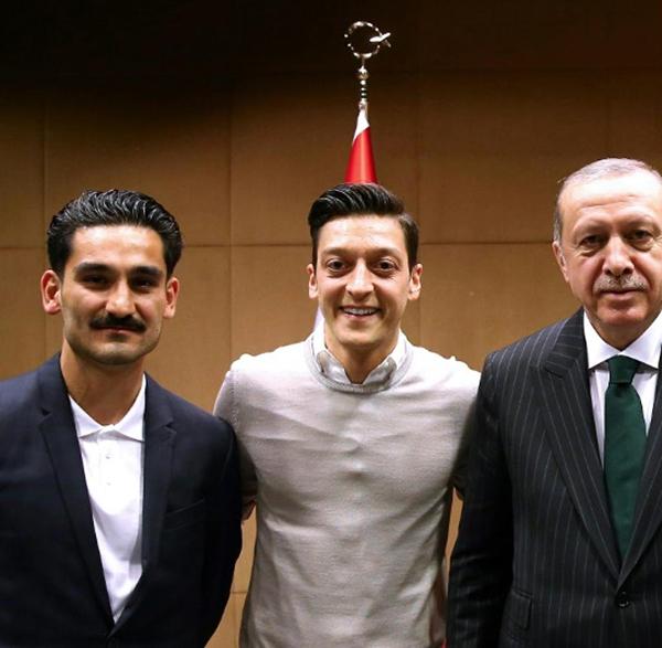 Oezil từ giã tuyển Đức, Oezil, Gundogan, Erdogan