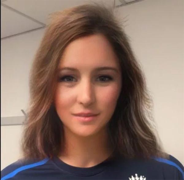 tuyển thủ Anh đổi giới tính, tuyển thủ cricket, đổi giới tính, ứng dụng snapchat, instagram