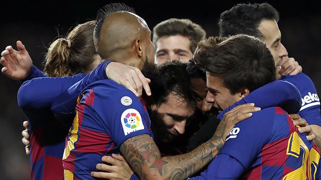 Barcelona 1-0 Granada: Messi vẫn là người hùng, Quique Setien khởi đầu suôn sẻ