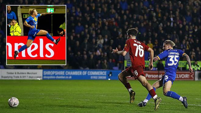 Shrewsbury 2-2 Liverpool: Bị đội hạng ba ngược dòng, The Kop ngậm ngùi đá lại