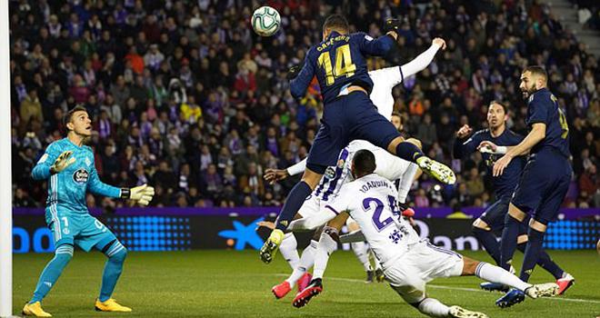 Ket qua bong da, Valladolid vs Real Madrid, video Valladolid 0-1 Real Madrid, kết quả bóng đá La Liga, kqbd, bảng xếp hạng bóng đá Tây Ban Nha, Real Madrid, Barcelona, Casemiro, VAR