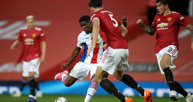 MU, MU 1-3 Crystal Palace, Pogba, Bruno Fernandes, Van De Beek, tử huyệt của MU, MU chống phản công, điểm yếu của MU, kết quả Ngoại hạng Anh, Bảng xếp hạng bóng đá Anh