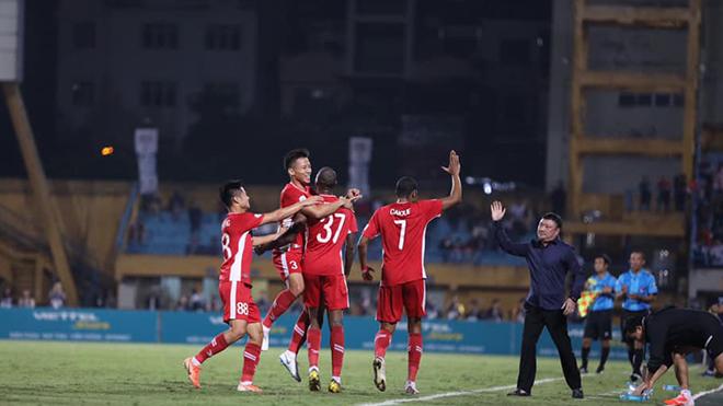 Cuộc đua vô địch V-League 2020: Viettel củng cố ngôi đầu, Sài Gòn tiếp tục hụt hơi