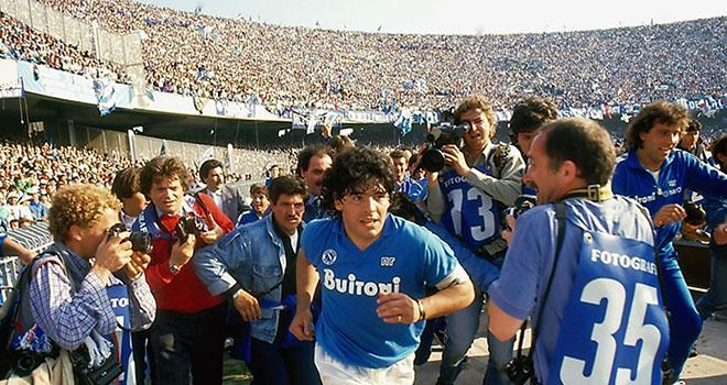 Maradona, Diego Maradona, Maradona qua đời, Huyền thoại Maradona qua đời, những con số của thiên tài, sự nghiệp Maradona, World Cup, Mexico 86, Barcelona, Napoli