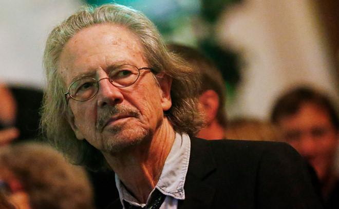 Nobel Văn học 2018 và 2019 thuộc về các nhà văn Ba Lan Olga Tokarczuk và Áo Peter Handke
