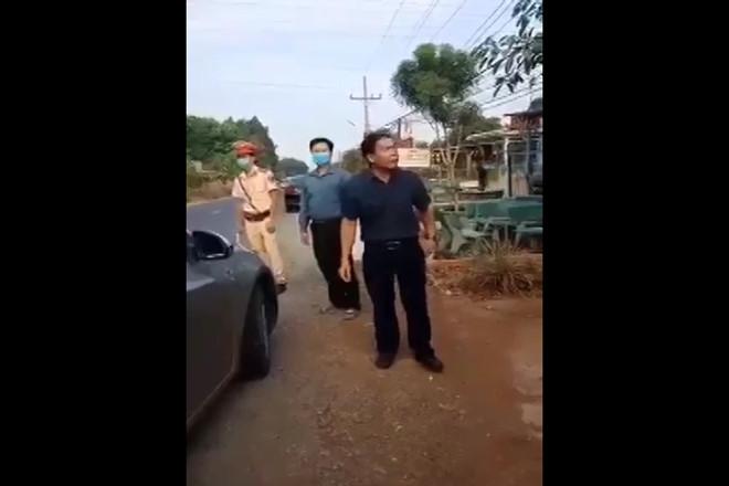 Bình Phước kiểm điểm Phó Chủ tịch HĐND huyện có hành vi chống đối tại chốt kiểm dịch COVID-19