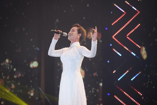 Uyên Linh, Văn Mai Hương, Madam Liên