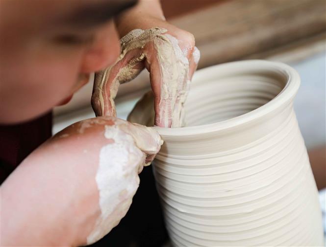 Nghệ truyền thống Hà Nội, Tôn vinh nghề truyền thống tại Phố cổ Hà Nội, đình Đồng Lạc, 38 Hàng Đào, Di sản Phố cổ Hà Nội, 28 Hàng Buồm, Chuyện của gốm, nghề đan lát