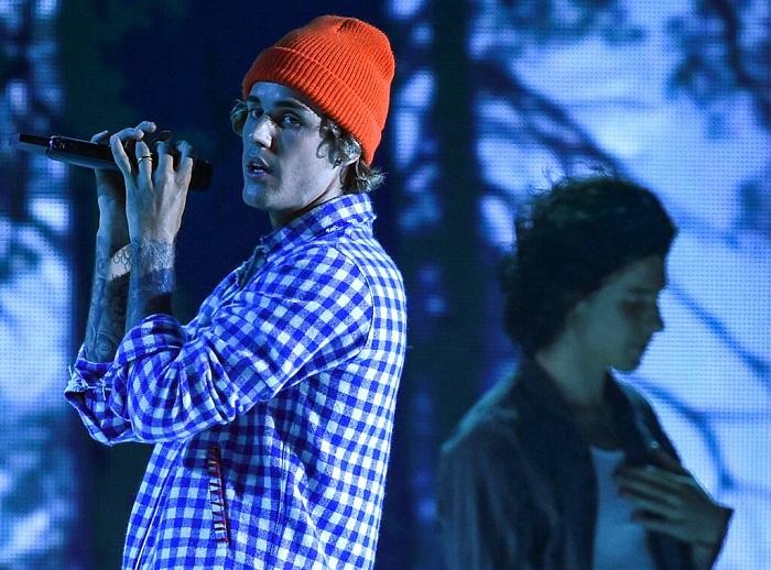 AMA, lễ trao giải âm nhạc mỹ, AMA 2020, lễ trao giải âm nhạc mỹ 2020, Justin Bieber, Shawn Mendes, Justin Bieber Holy Lonely, Shawn Mendes Monster