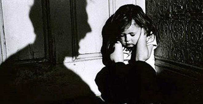 xâm hại trẻ em, ấu dâm, nguyễn hữu linh, sàm sỡ trong thang máy, sàm sỡ thang máy