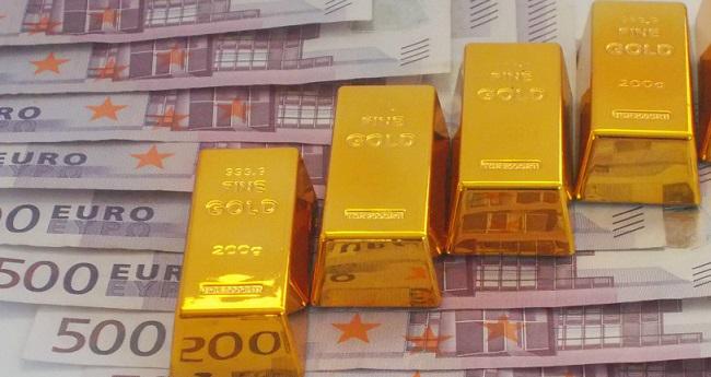 Giá vàng hôm nay 31/7 có lên mốc cao kỷ lục?