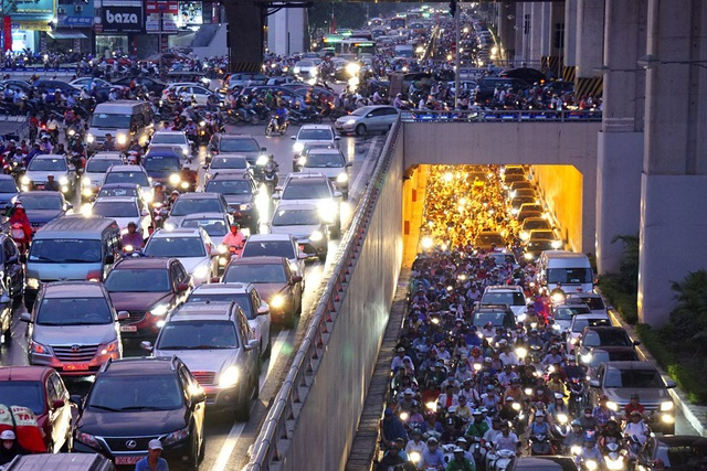 Hà Nội thực hiện đồng bộ hàng loạt giải pháp giảm ùn tắc giao thông
