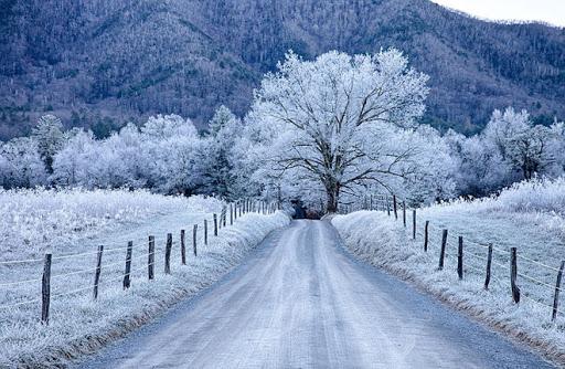 Miền Bắc đón không khí lạnh mới, vùng núi có băng giá mưa tuyết