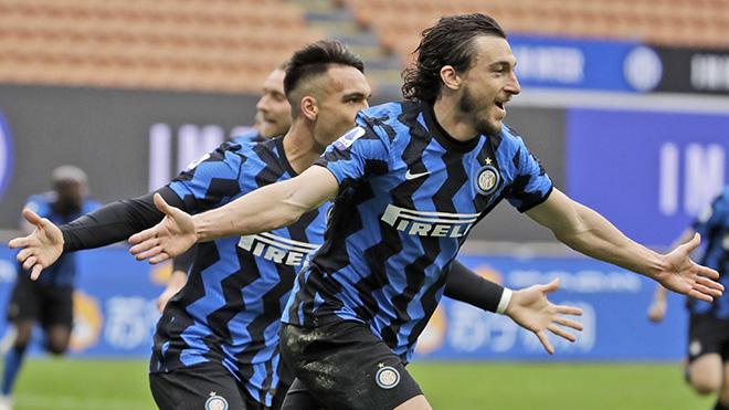 Vòng 30 Serie A: Inter lại thắng 'kiểu Conte', Juventus tiếp tục bám đuổi Milan
