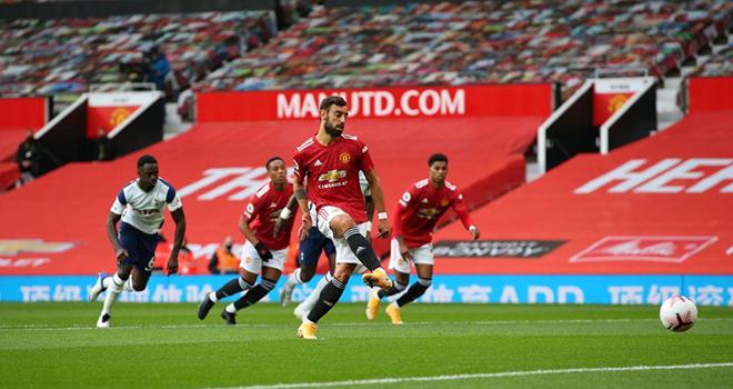 Bong da, bong da hom nay, kết quả bóng đá, kết quả cúp C2, kết quả Milan, Arsenal, Tottenham, Ronaldo, Messi, Messi động viên Ronaldo, MU, Bruno Fernandes, tin MU