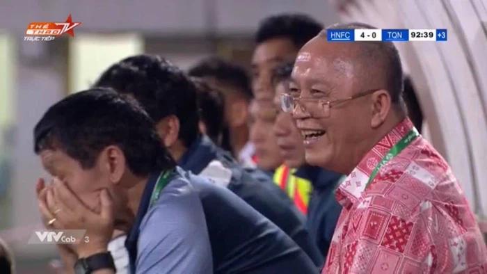 HAGL, Than Quảng Ninh, Bầu Đức, Bầu Hiển, Chủ tịch Than Quảng Ninh cười, vì sao Chủ tịch Quảng Ninh cười, Bầu Đức mỉa mai Quảng Ninh, bóng đá Việt Nam, V-League